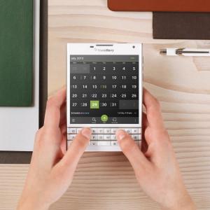 BlackBerry Passport выходит в сентябре: новый смартфон для бизнесменов